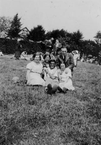 오래된 가족사진 흑백